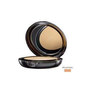 Lakme Absolute White Intense Wet & Dry Compact Almond Honey